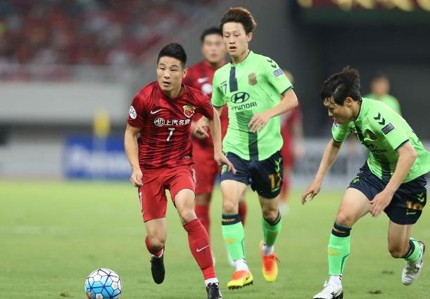 韩国主帅观战亚冠为世预赛做准备